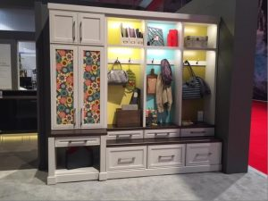 mudroom-cabinetry-by-masterbrand